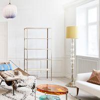 El Apartamento. The Apartment galeria diseño Copenhague. The Apartment es un nuevo concepto de showroom-galería. En una casa del siglo XVIII en Copenhague, juntos y revueltos, muebles del XX, diseño extremo y arte contemporáneo. Todo exquisito.