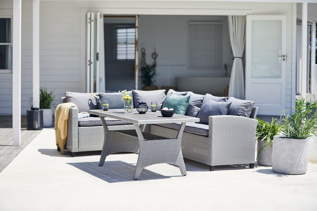 Pin By Caroline Tynan On House In 2020 Furniture Outdoor Furniture Sets Luxury Cushions