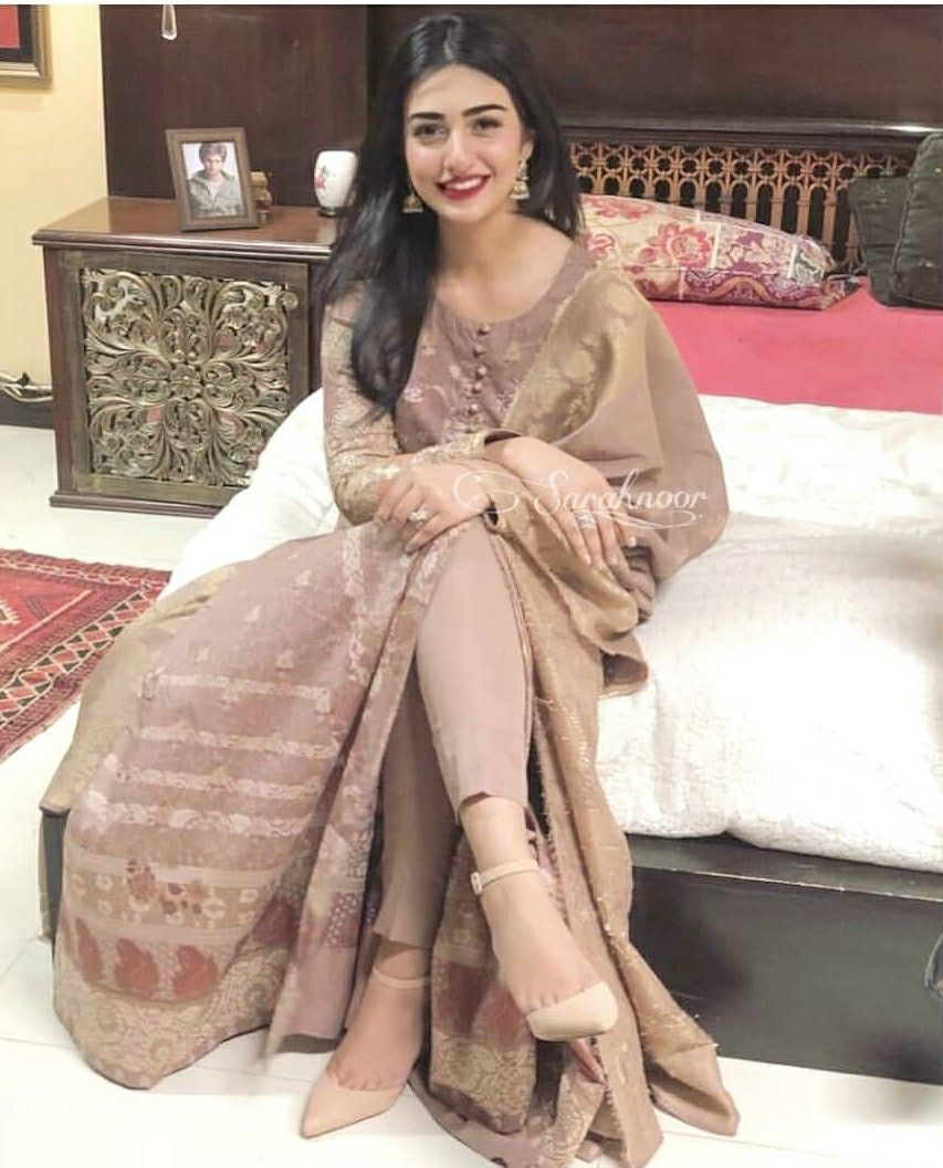 Pin By Ayaha Khan On Pak Formal Wear 2018 (With Images