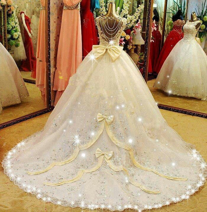 Fairytale wedding dress | wedding renew | Pinterest | Fairytale ...