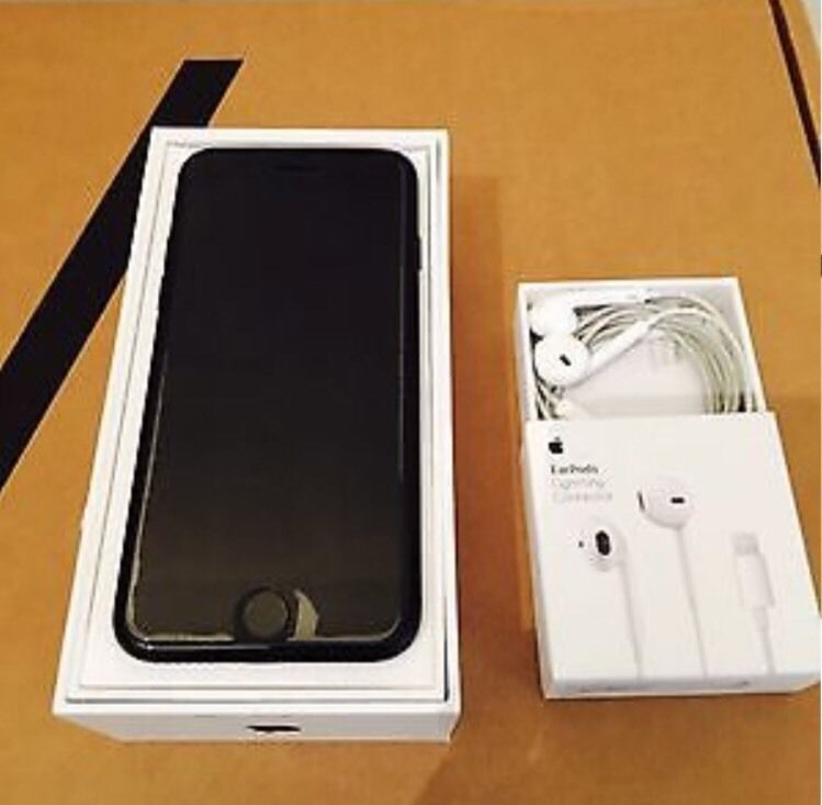 Apple I Phone 7, Black 32GB used (5 Months Only)***Excellent