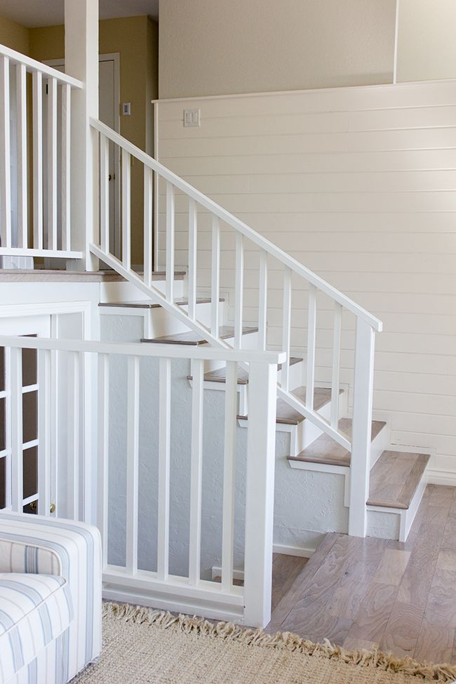 Simple railing | Stair railing, Stair railing makeover ...