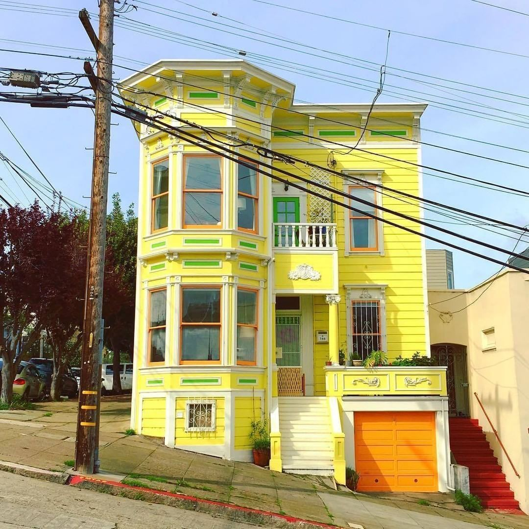 Yellow houses make happy people 💛💛💛 by @patrix15 | I❤️SF ...