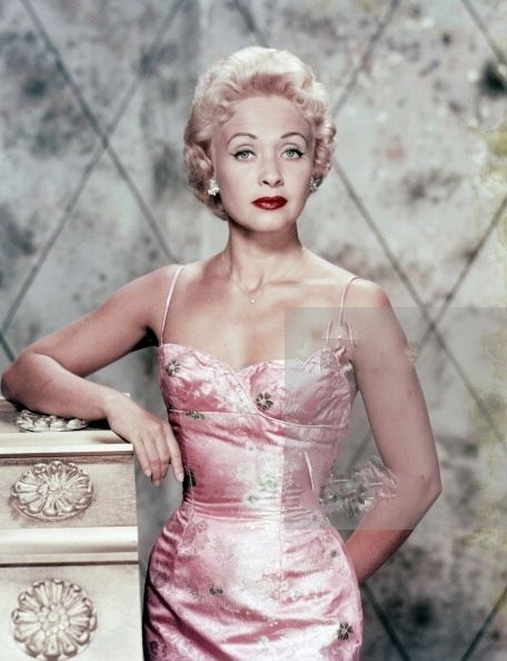 Jane Powell - Mad great musicals back in the day!