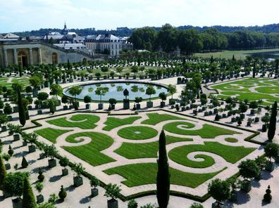 Skip The Line Versailles Palace And Gardens Day Trip From Paris Garten Pinterest