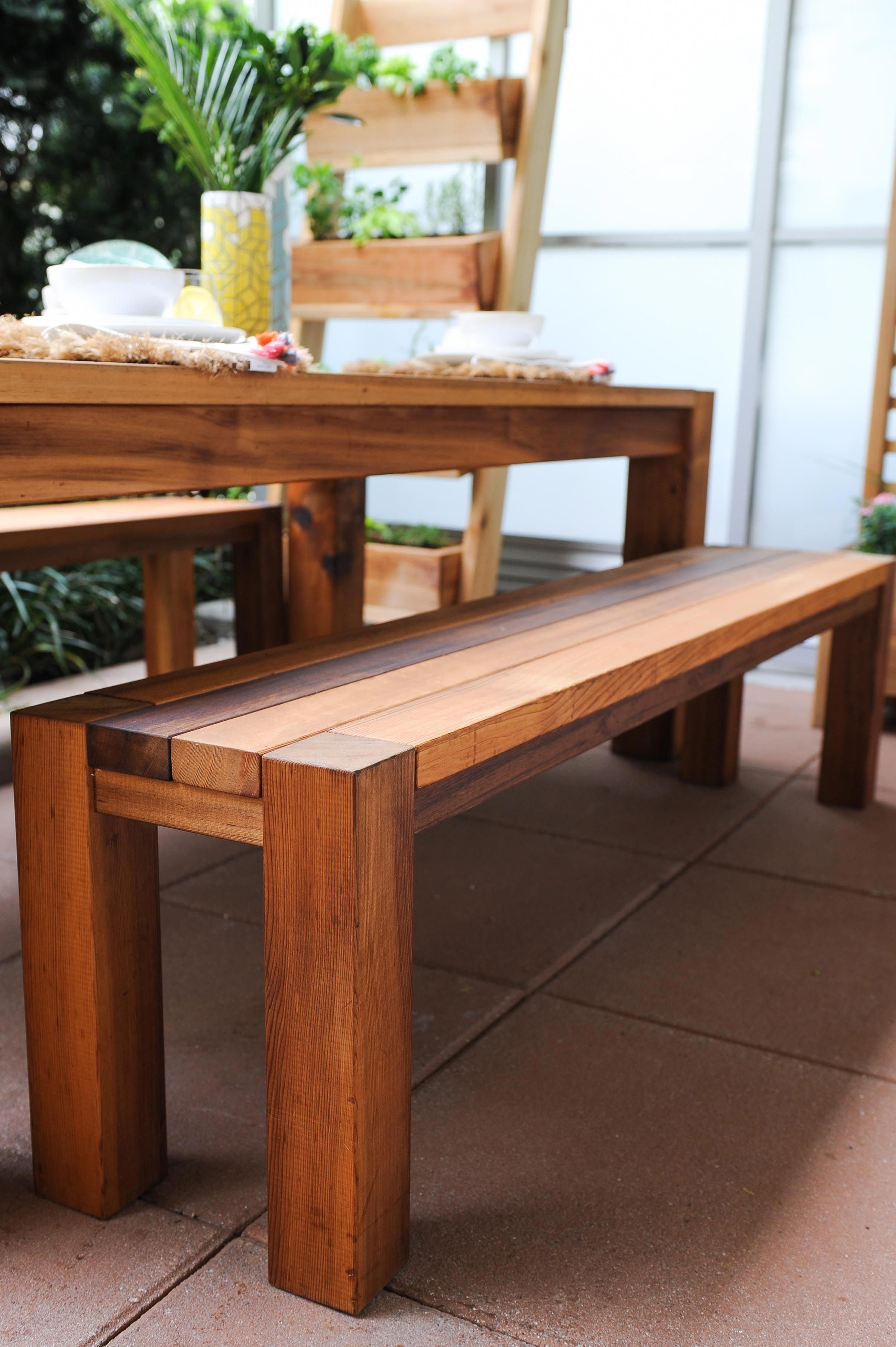 Build this modern cedar dining table in a single weekend
