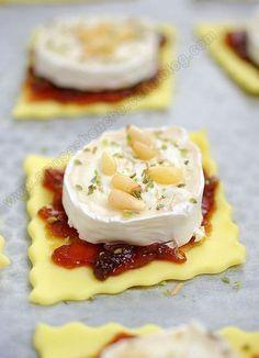 Tartelettes au confit d'oignon et chèvre - 30 recettes d'apéritif faciles à réaliser #aperodinatoirefacile