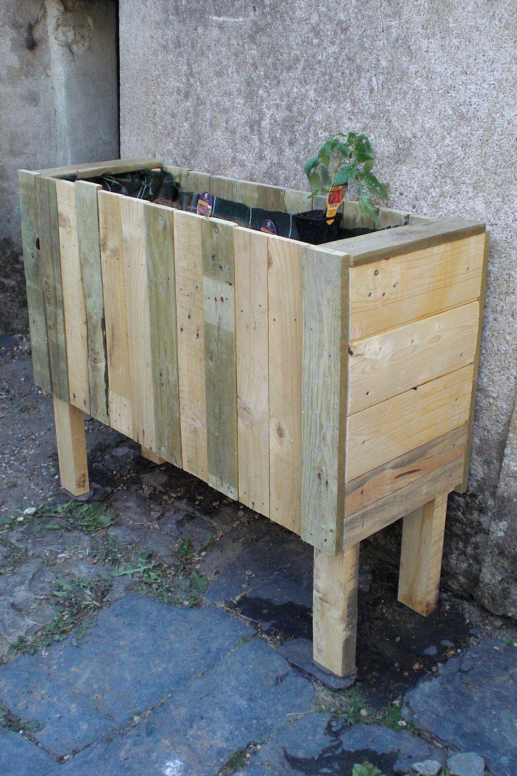 jardini re en bois de palette pallet furniture in 2019. Black Bedroom Furniture Sets. Home Design Ideas