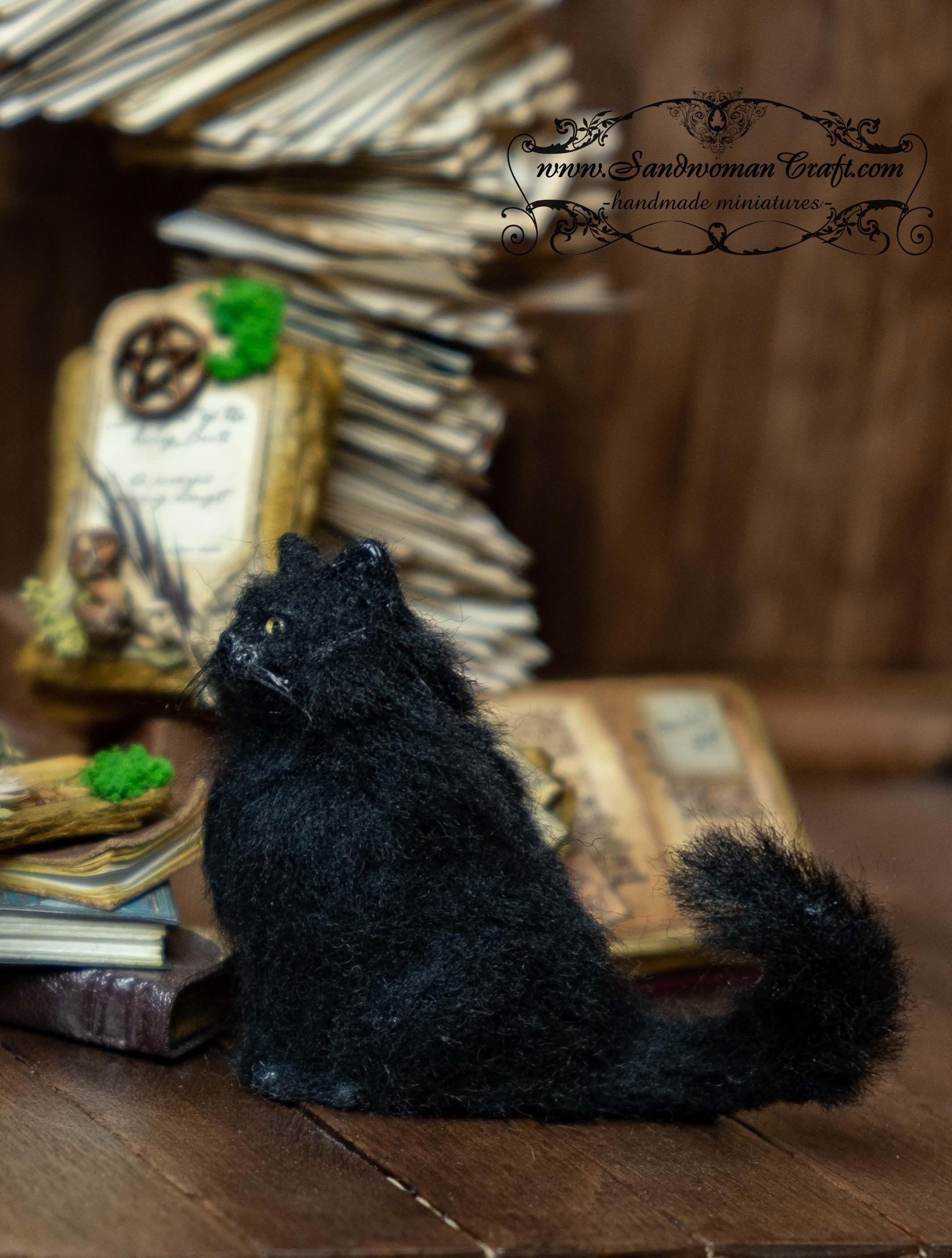 Dollhouse miniatures-Miniature cat in 1:12 scale-Black cat-Pet-Halloween-Witch-Cottage-Furry friend-Mohair-Alpaca fibres-Wool-Yarn-Animals #witchcottage Dollhouse miniatures-Miniature cat in 1:12 scale-Black cat-Pet-Halloween-Witch-Cottage-Furry friend-Mohair-Alpaca fibres-Wool-Yarn-Animals #witchcottage
