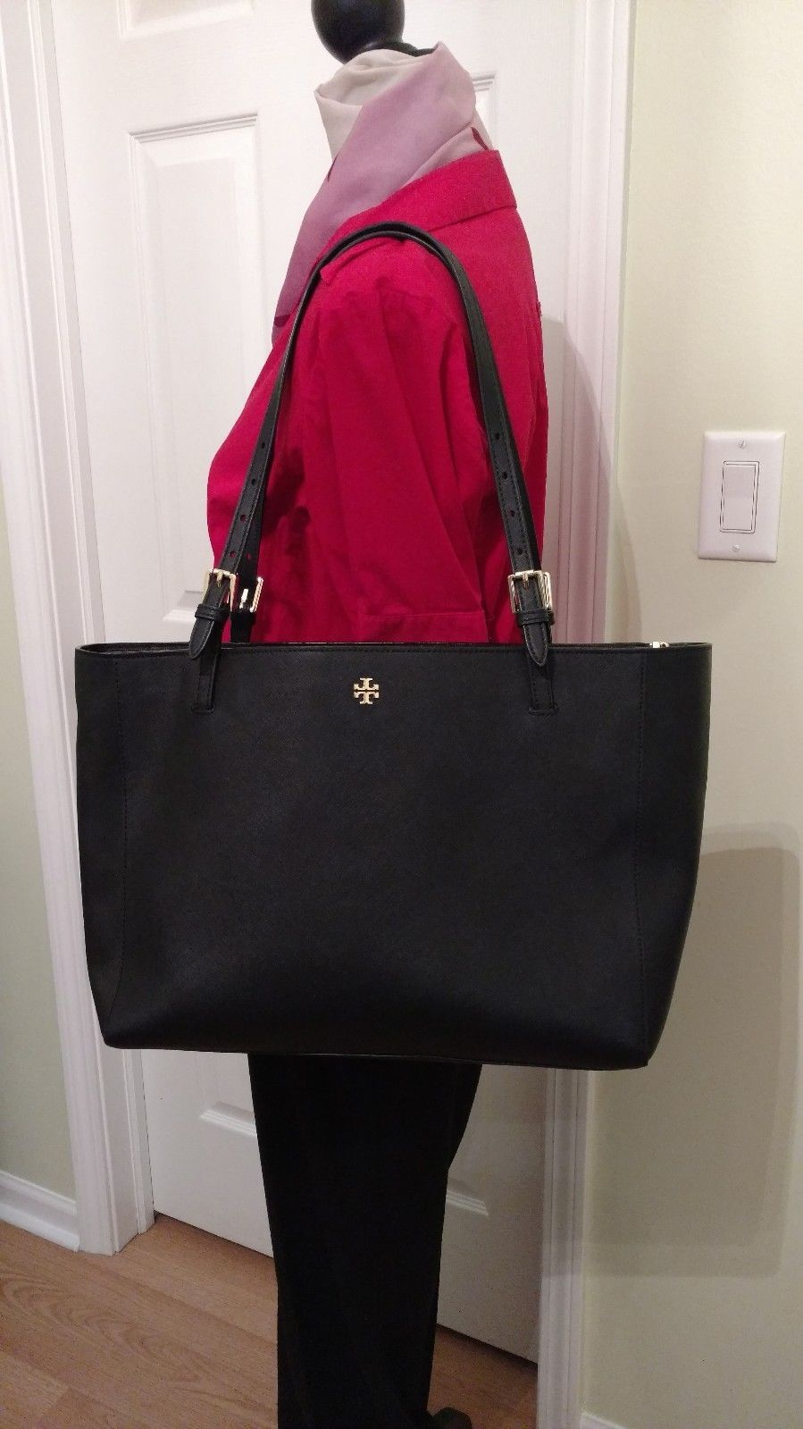 901ce5cf9c07 Tory Burch Large York Buckle Tote in Black Saffiano Leather MSRP  295