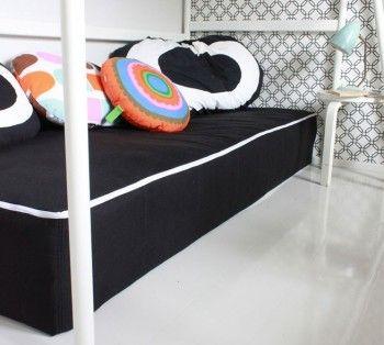 Varapatjoille suojus ja löhöilypaikka vauvan huoneeseen.