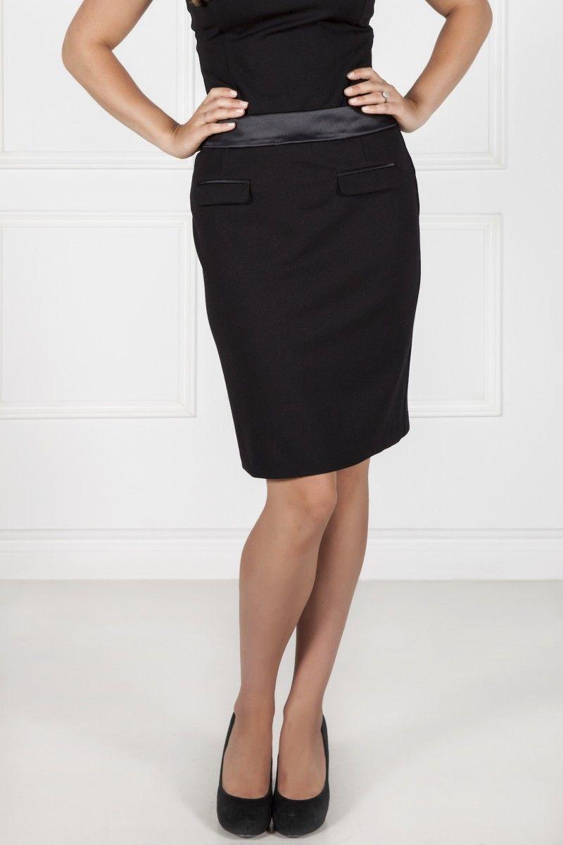 Les poupounes de luxe - Jupe droite Tuxedo disponible en taille 00 et 0 - prix régulier 225,00$