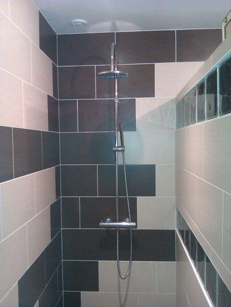 fa ence sur douche l 39 italienne salle de bain salle d 39 eau douche douche italienne et. Black Bedroom Furniture Sets. Home Design Ideas