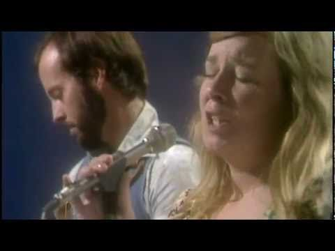 Fairport Convention - White Dress (excerpt), The London Weekend Show. August 9 1975.
