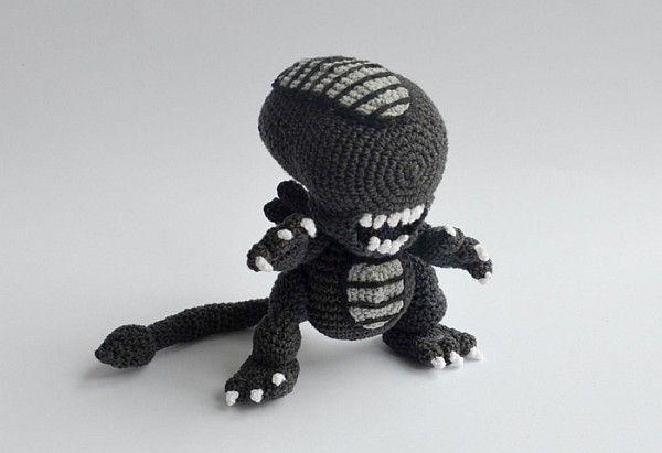 Adorable Crochet Alien Xenomorph [Pics] | Handarbeiten