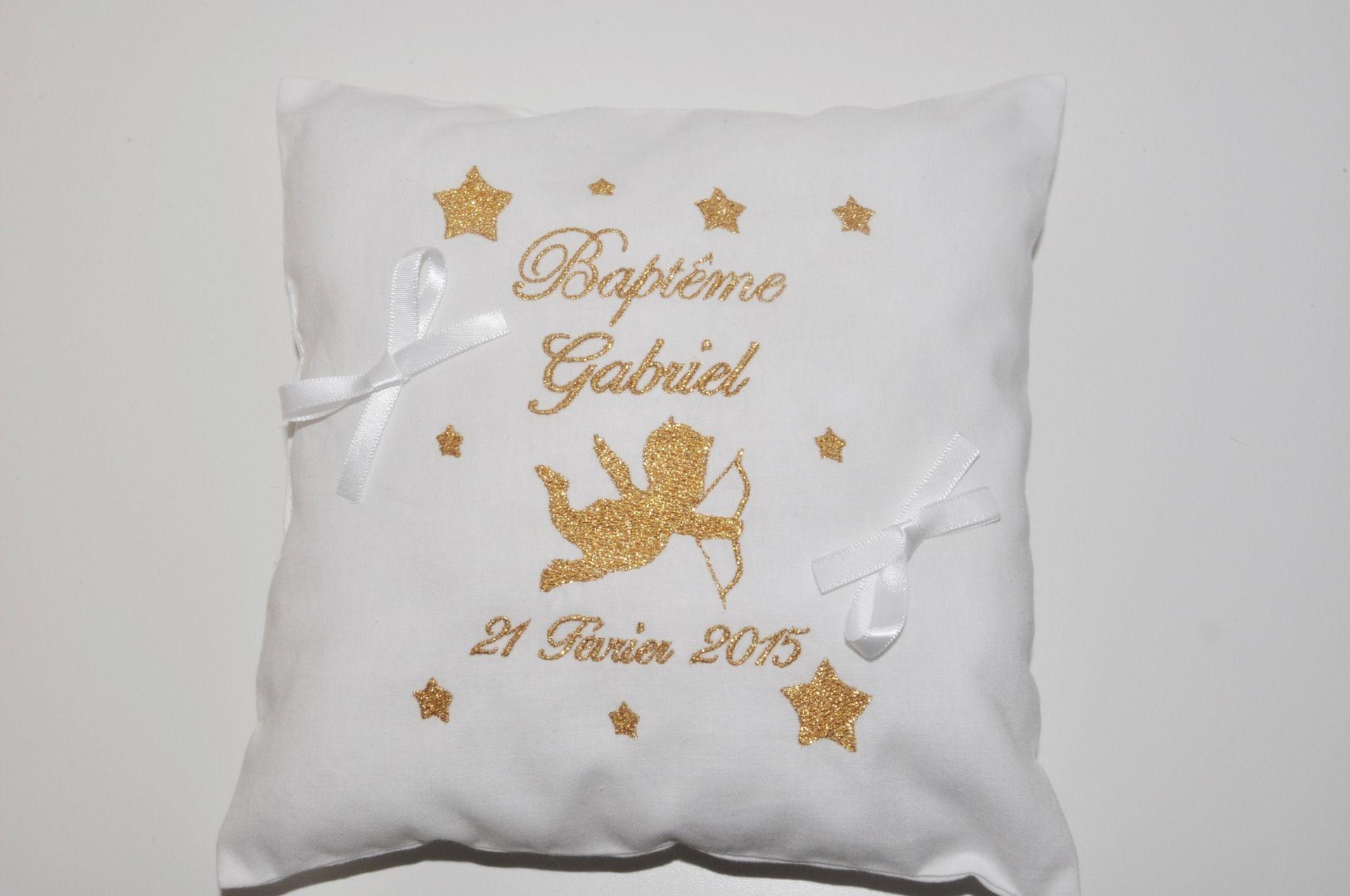 Personalised baby//toddler bib-mariage-brodé choix de couleur-cadeau