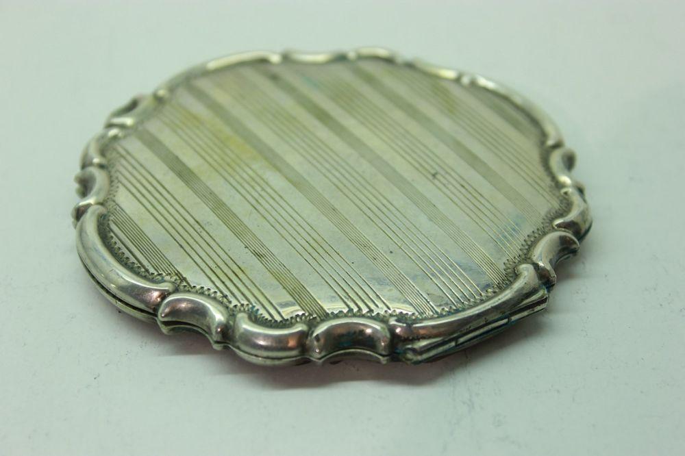 Silber Schminkdose um 1930, Art Deco 935 Schmink-Dose Compact Vanity Silver 925