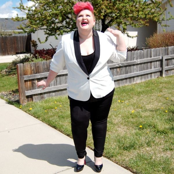 Check out my new outfit post and review of the Bespoke White Tuxedo Jacket from SimplyBe!