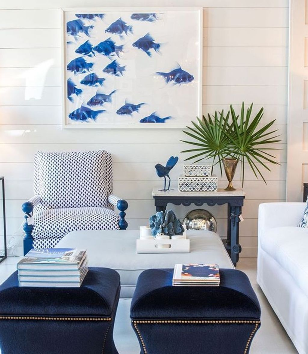 38 Amazing Summer House Interior Design Ideas With Beach Theme Summer House Interiors Coastal Decorating Living Room Blue Decor