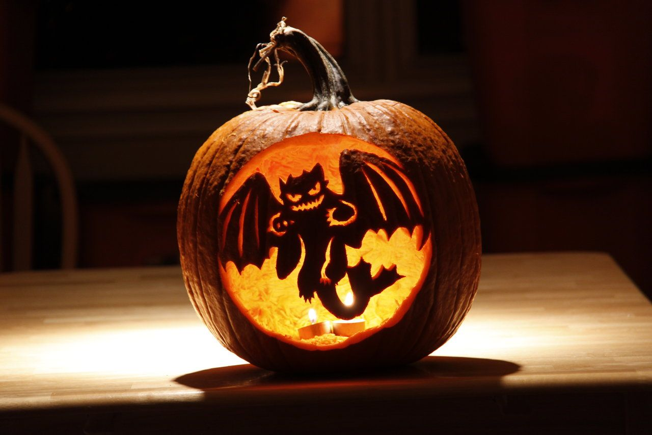 Grusel Kurbis Halloween.Yes You Can Expect One Of These From Me This Year How To Train Your Dragon Gruselige Halloween Kurbisse Halloween Kurbis Disney Kurbis