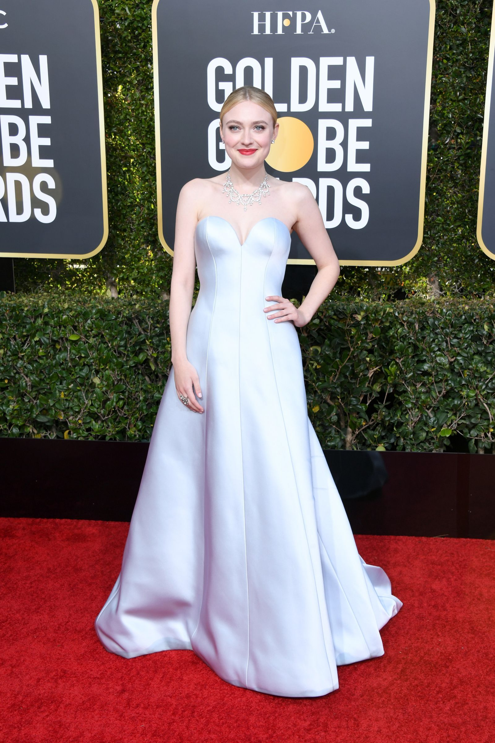 8442e4e38401 See All the Red Carpet Looks From the 2019 Golden Globes