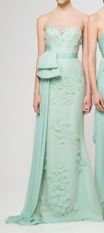 <3 Perfect mint color, lovely details + japanese obi inspired sash<3 This gorgeous dress by designer Reem Acra.