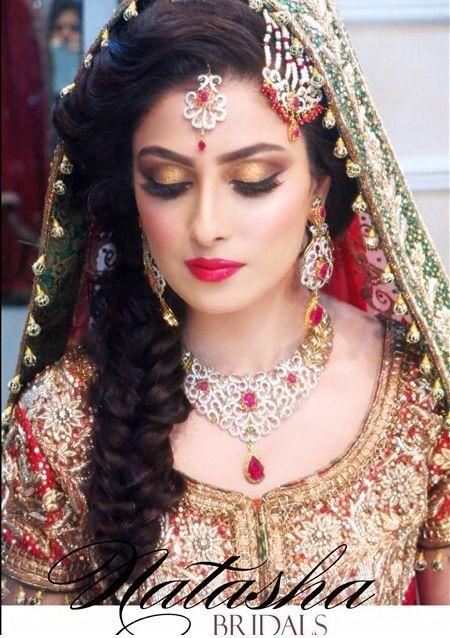 Aiza khan as bridal- beautiful hairstyles & makeup- Pakistani Bridal