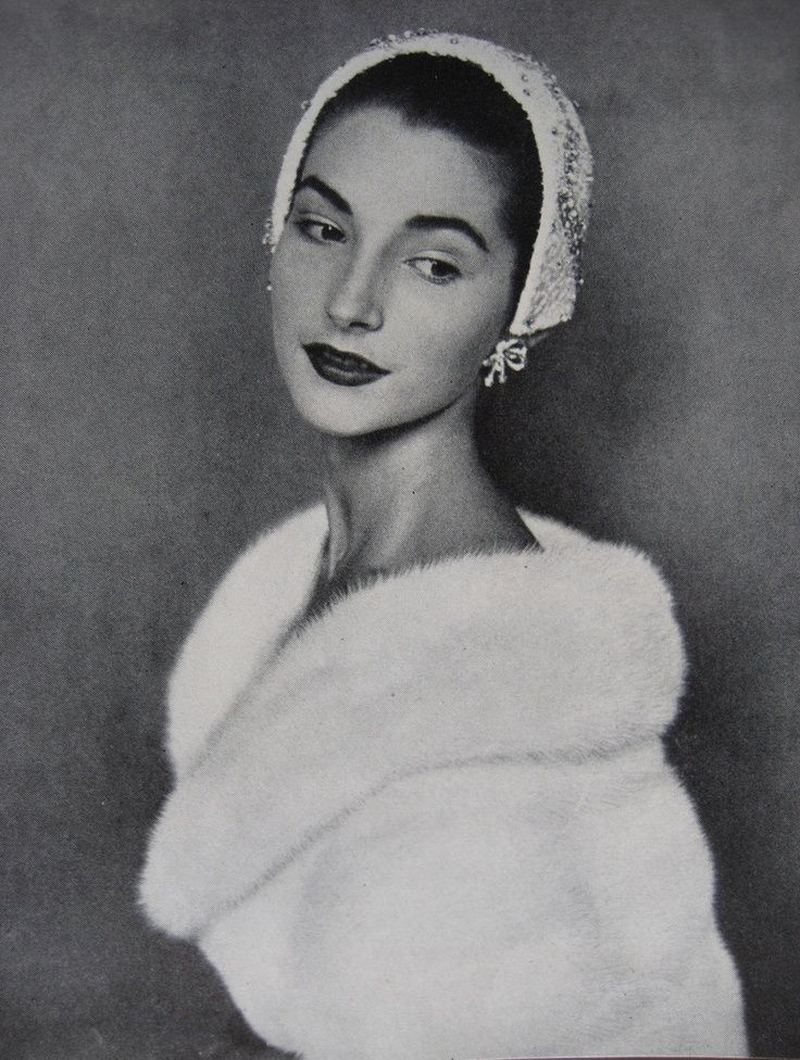 Vogue - November 1954 - Photo by Sir Cecil Beaton -