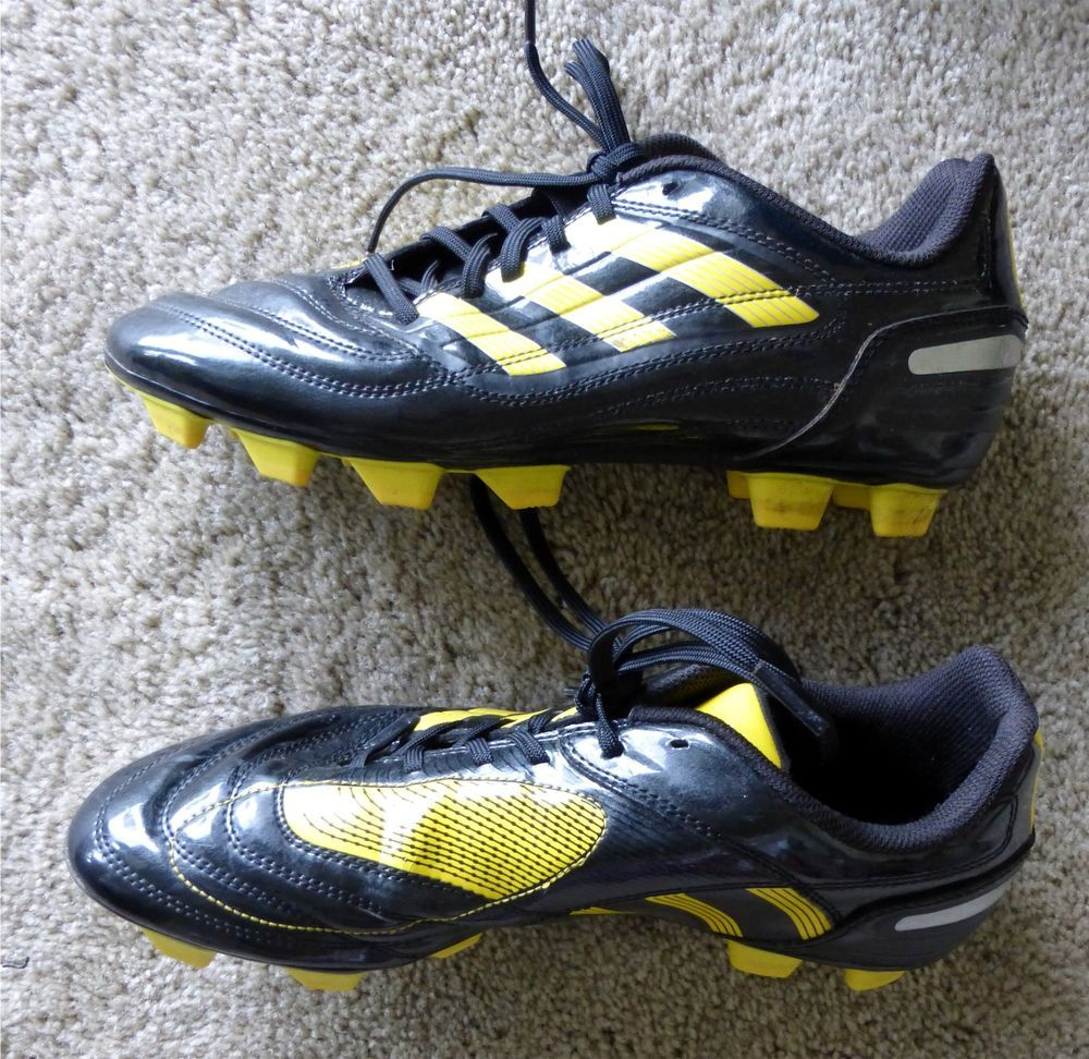 ADIDAS Black & Yellow Soccer Cleats Shoes Men's Size 8 Traxion Model Patent