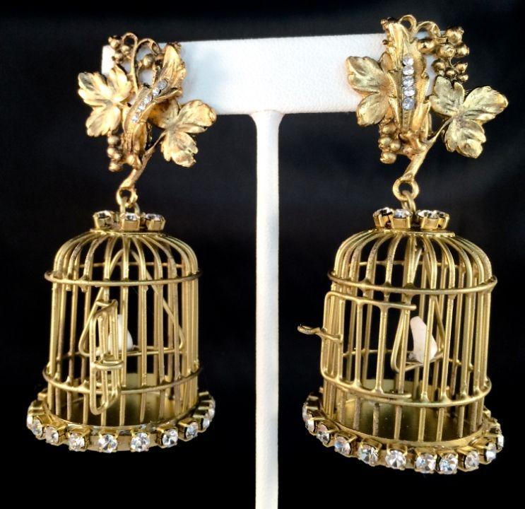 Bird Cage Earrings. Tiny white dove inside a real tiny ...