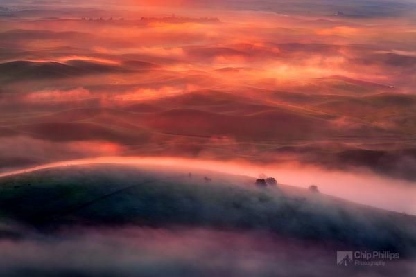 foggy sunrise palouse_by_Chip Phillips 600_400