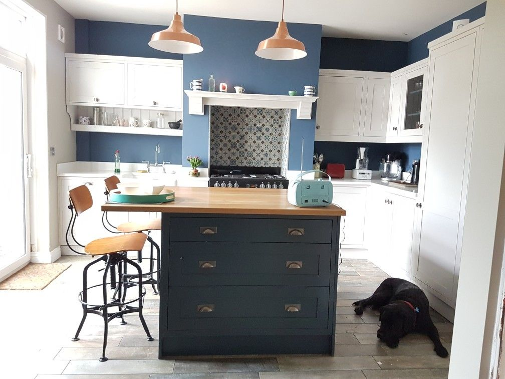 Best Kitchen Nearly Complete Hague Blue And Cornforth White 640 x 480