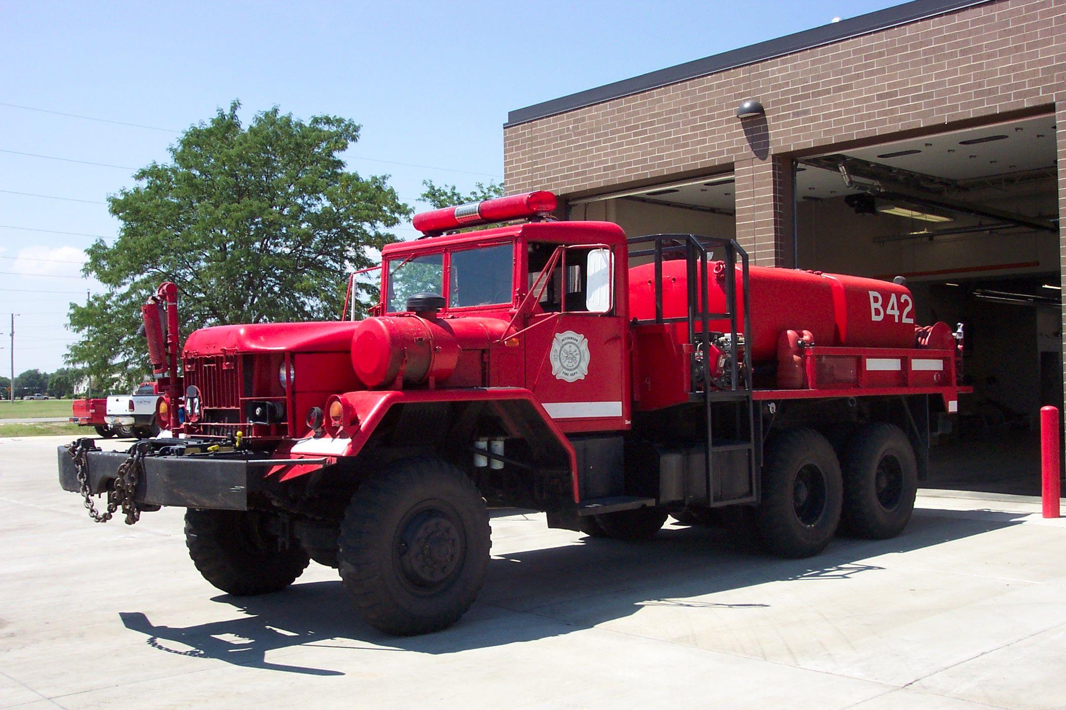 Military fire trucks 42 is a 1969 kaiser m813 6x6 military surplus vehicle it
