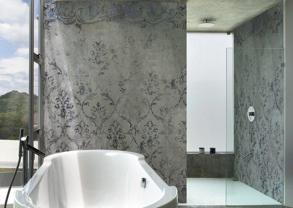 Vorsatzschale In Einem Dunkleren Wasserfestem Putz Gestaltet Haben Und Alle Anderen Wandflachen In Einem Hellen Kalk Fugenlose Dusche Deko Wand Fugenloses Bad
