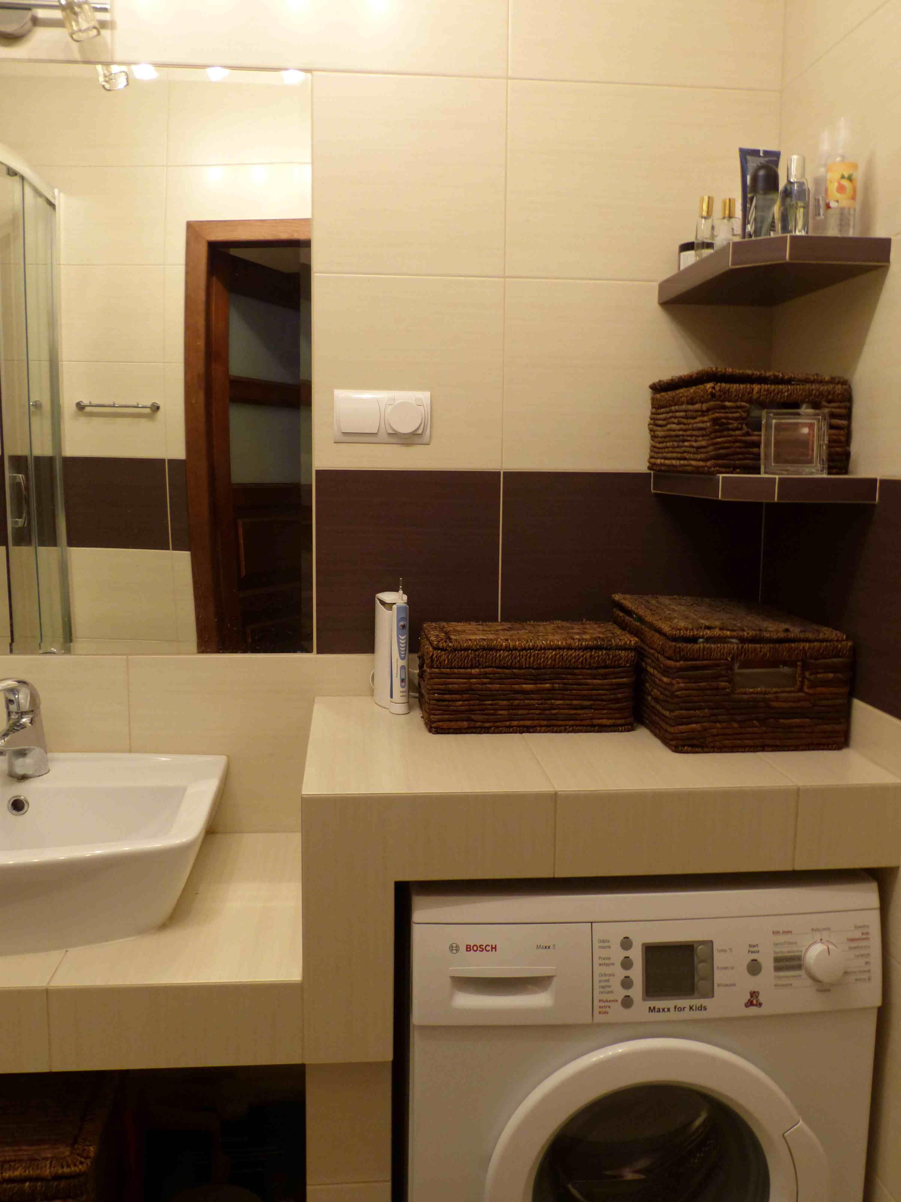 Pralka Pod Blatem Bathroom In 2019 Home Appliances Home
