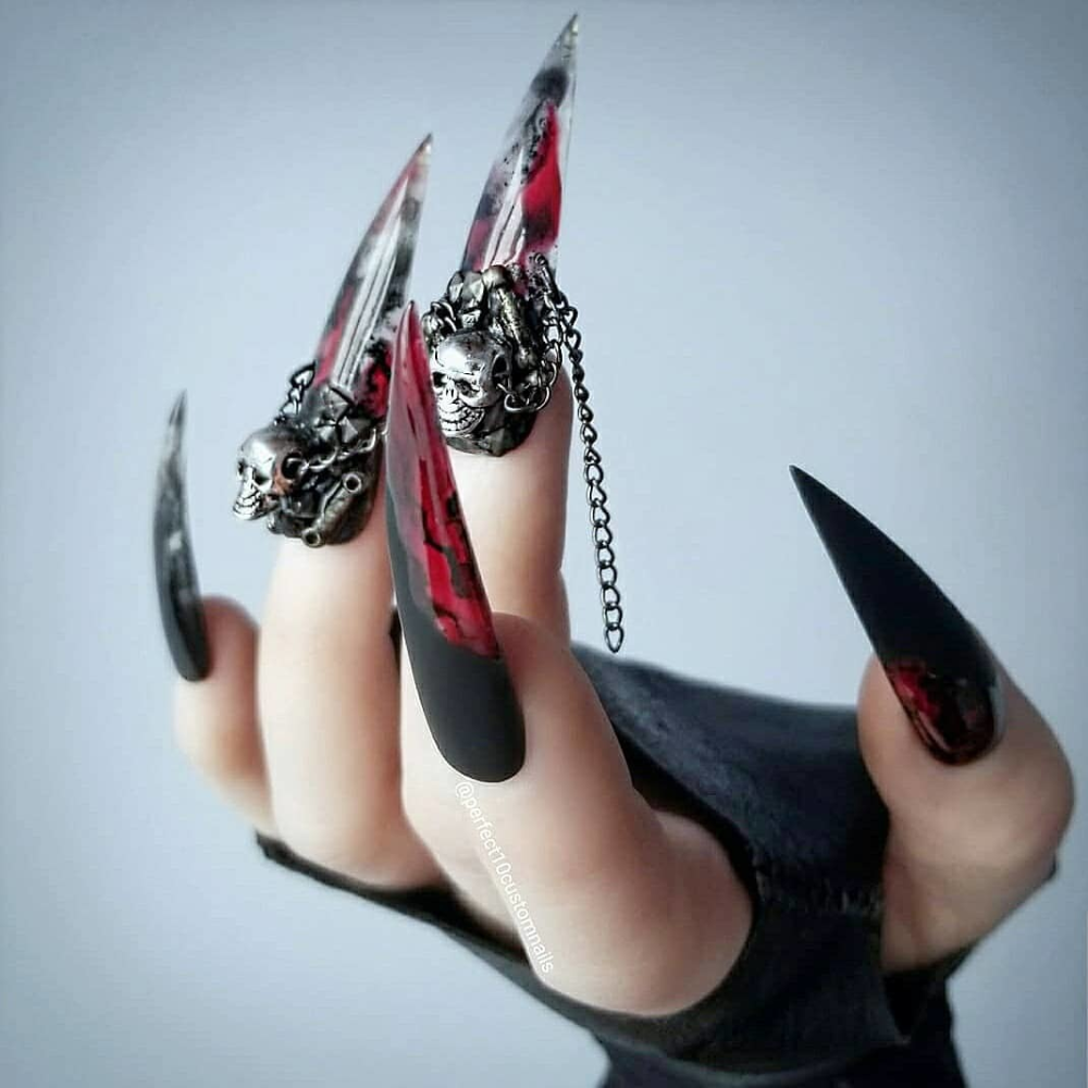 28 Creepy Nail Ideas For Halloween Pinkgriffy Witch Nails You Don T Need No Halloween Costume Jus Black Stiletto Nails Gothic Nails Stiletto Nails Designs