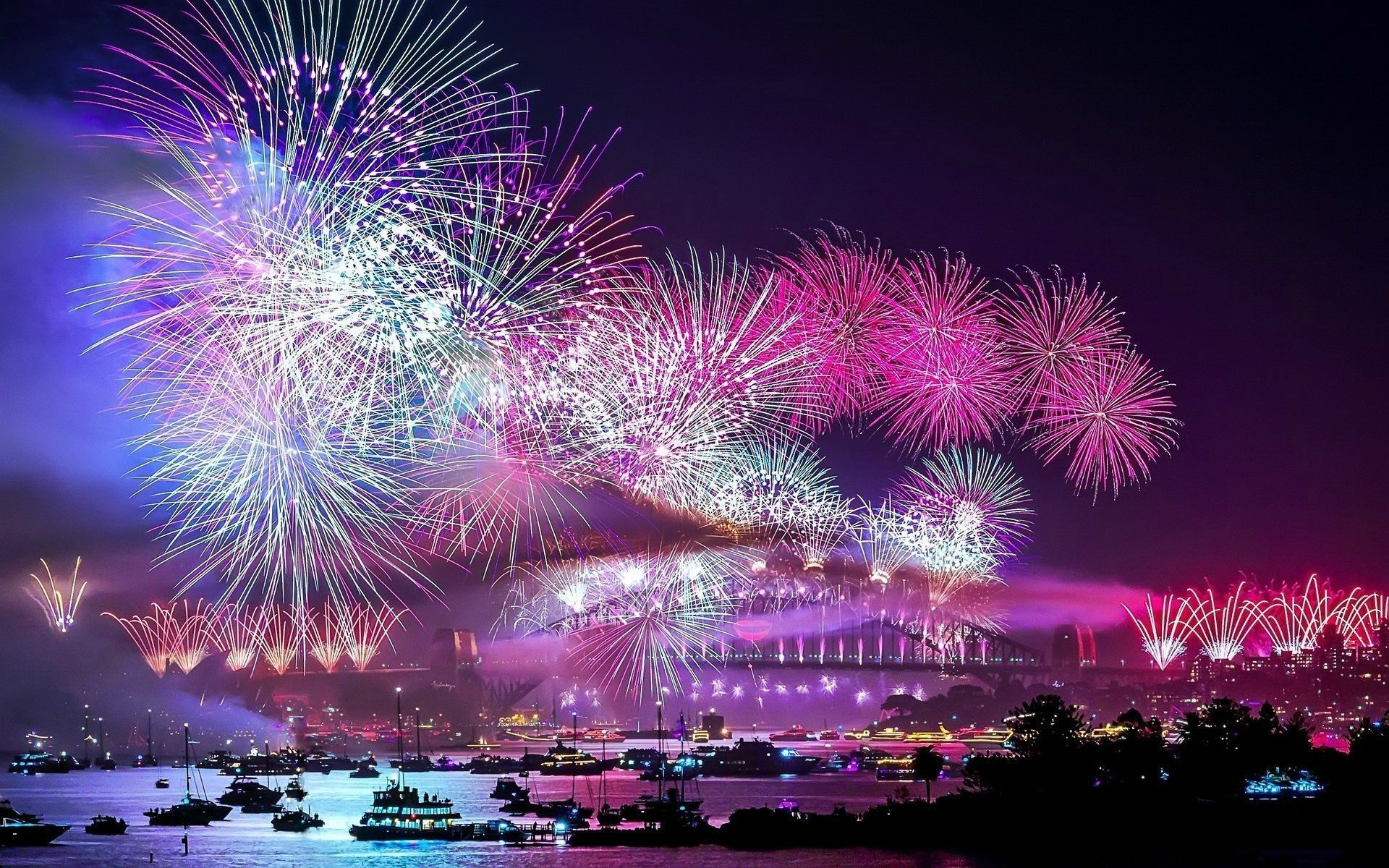 1000 Spectacular Wallpapers 1080p Unmarked Fireworks Wallpaper Fireworks Background New Year Wallpaper