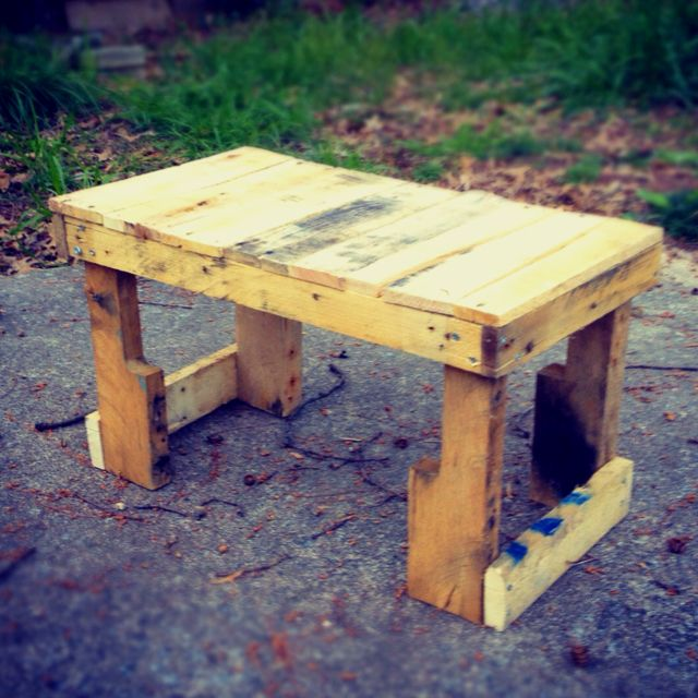 Another pallet table.