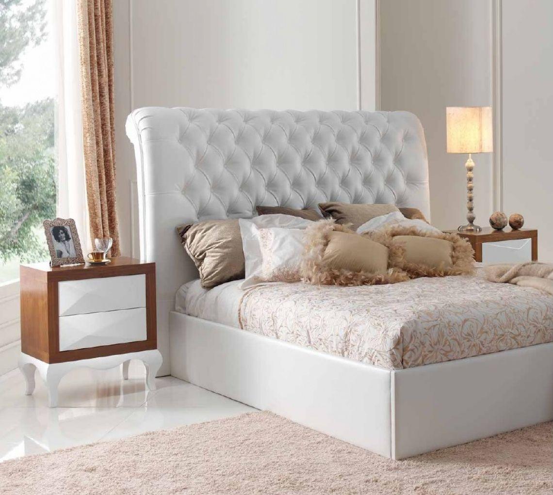 048 Dormitorio con cama tapizada en tecnopiel blanco con mesitas en ...