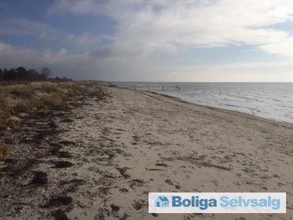 Olsbæk Strandvej 68, 2670 Greve - Sjældent udbudt strandvejsvilla. 3. række fra stranden #greve #villa #selvsalg #boligsalg