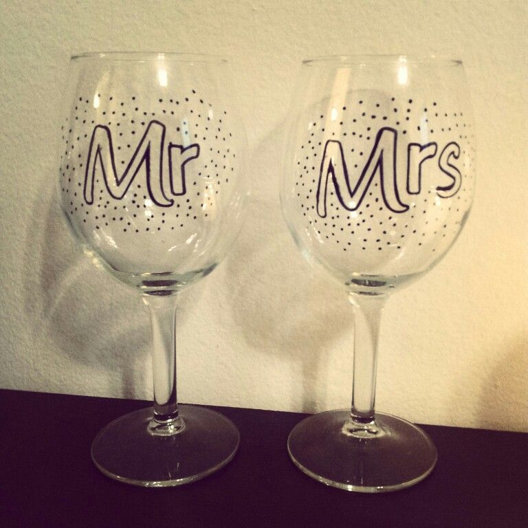 Diy Wine Glasses Use Glass Paint And Cure It In The Oven So It Can