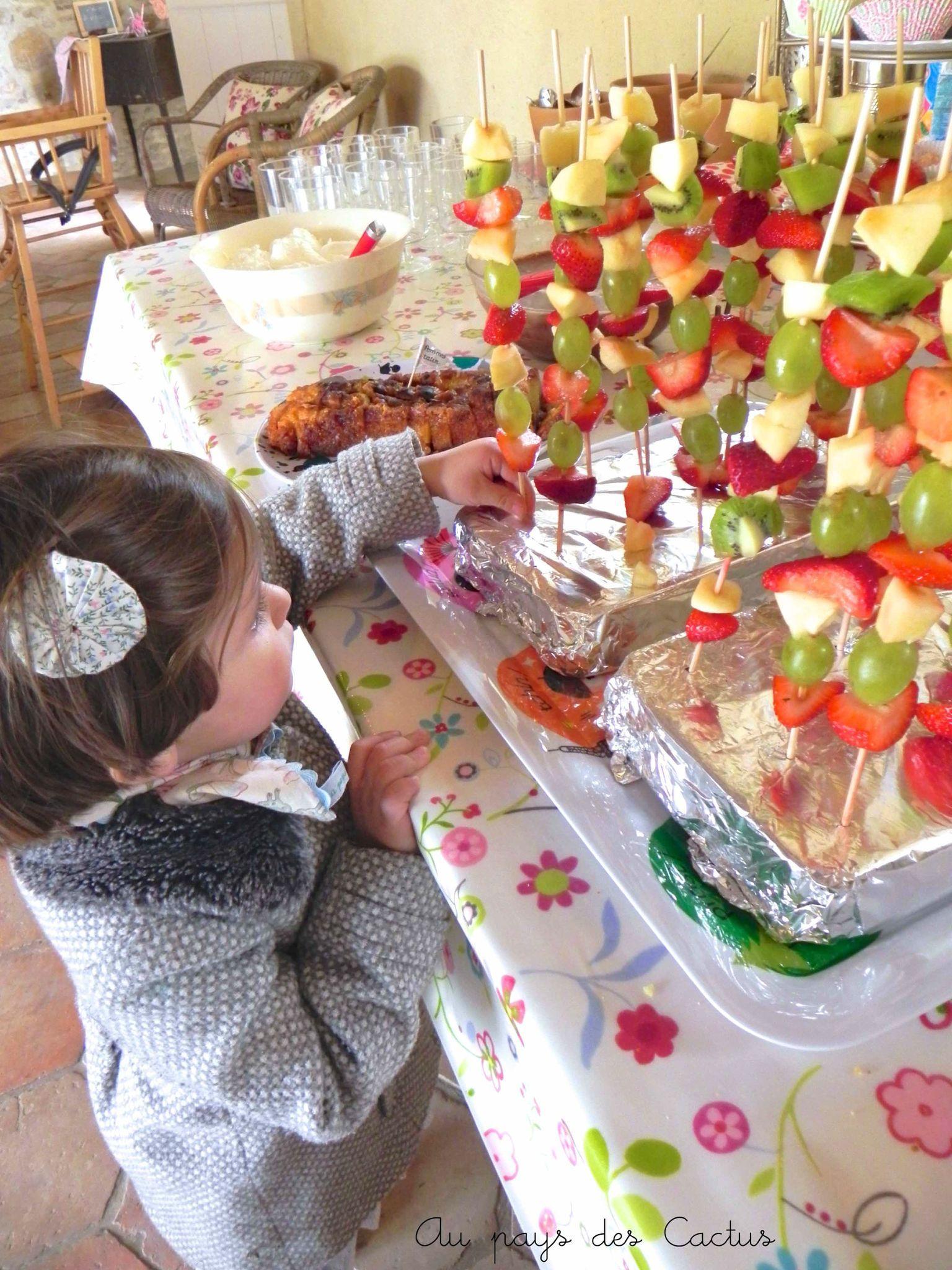 Idée Repas Bapteme buffet pour enfant   Recherche Google   Repas bapteme, Idee deco