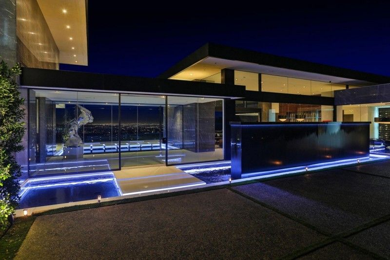 Stunning Bel Air Contemporary By Mcclean Design American Luxury Modern House Plans Modern Mansion Luxury House Designs
