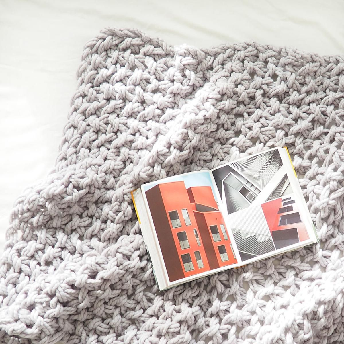 Arm Knit Blanket   Craftsy   Knitting   Pinterest   Arm knit ...