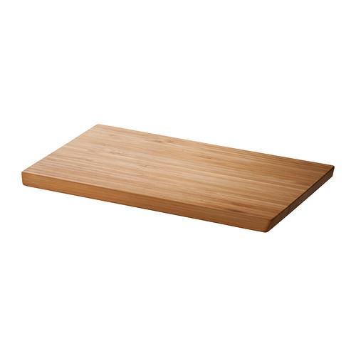 IKEA - APTITLIG, Snijplank, Door de gripvriendelijke schuine randen kan je de snijplank tijdens het koken gemakkelijk omdraaien en aan beide kanten gebruiken.Past op de bak van de BOHOLMEN, BREDSKÄR of FYNDIG spoelbak om extra werkruimte te creëen voor het bereiden van voedsel.Gemaakt van bamboe: een onderhoudsvriendelijk, slijtvast natuurmateriaal dat ook zacht is voor je messen.De snijplank kan ook worden gebruikt als serveerblad voor etenswaren, zoals kaas, vleeswaren of fruit.