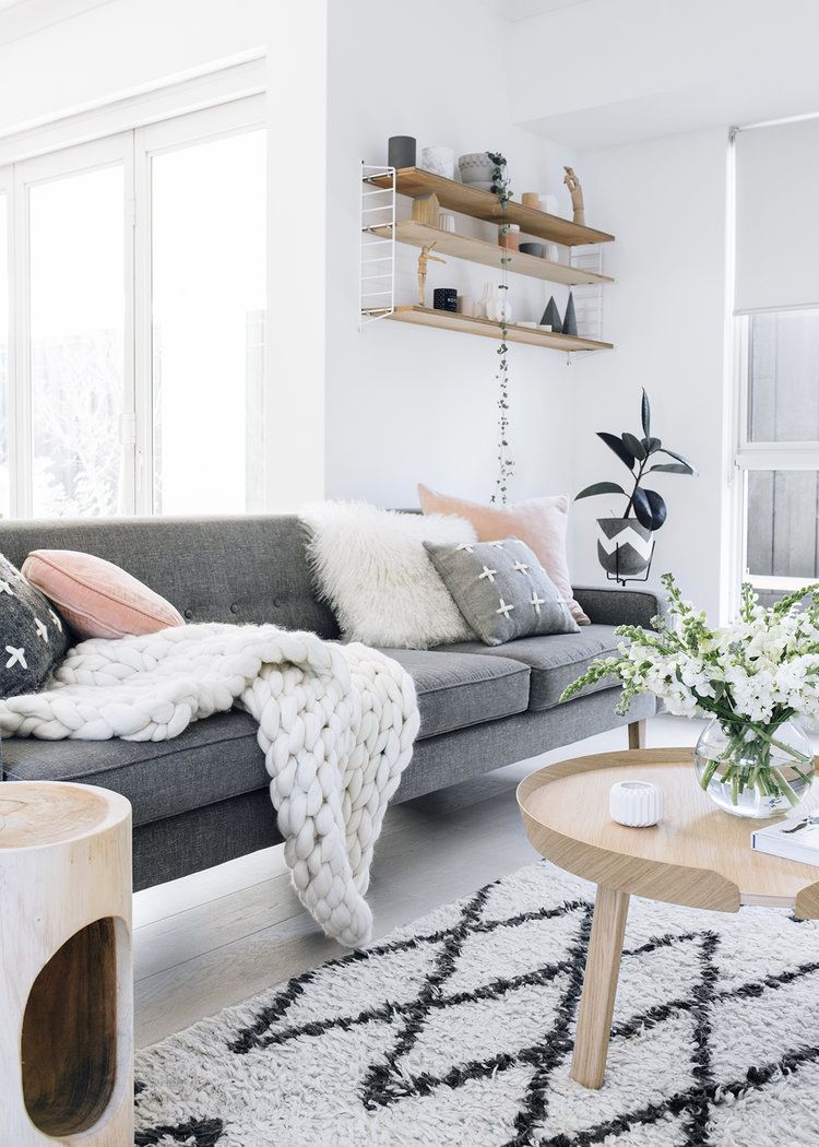 Alb Gri și Roz Pastel In Australia Jurnal De Design Interior Living Room Scandinavian Trending Decor Scandi Style Living Room Living room decor australia
