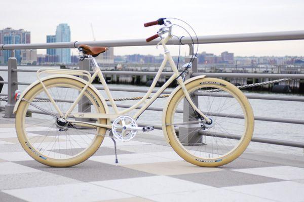 Retrovelo Klara Cushy Zippy Gorgeous Summer Bike Bicycle