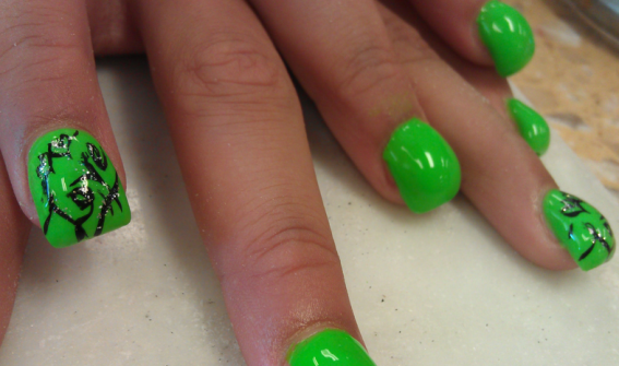 The Bubble Nail Hump Trend Is Breaking Internet Right Now