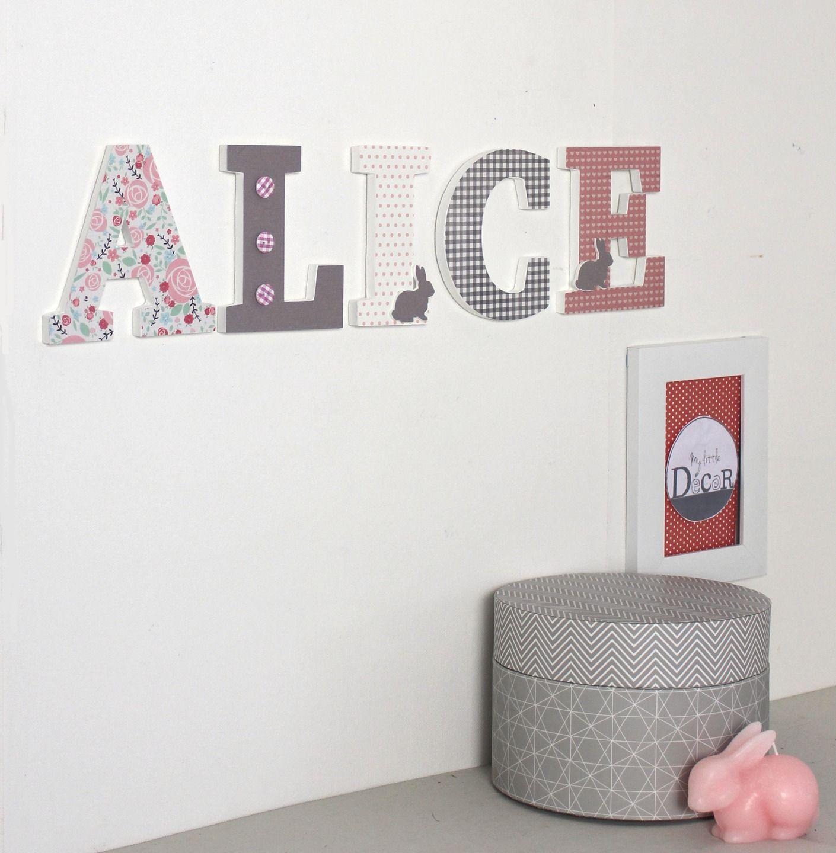 Pr nom alice gris vieux rose avec des lapins cadeau de naissance fille lettres d coratives - Chambre fille vieux rose ...