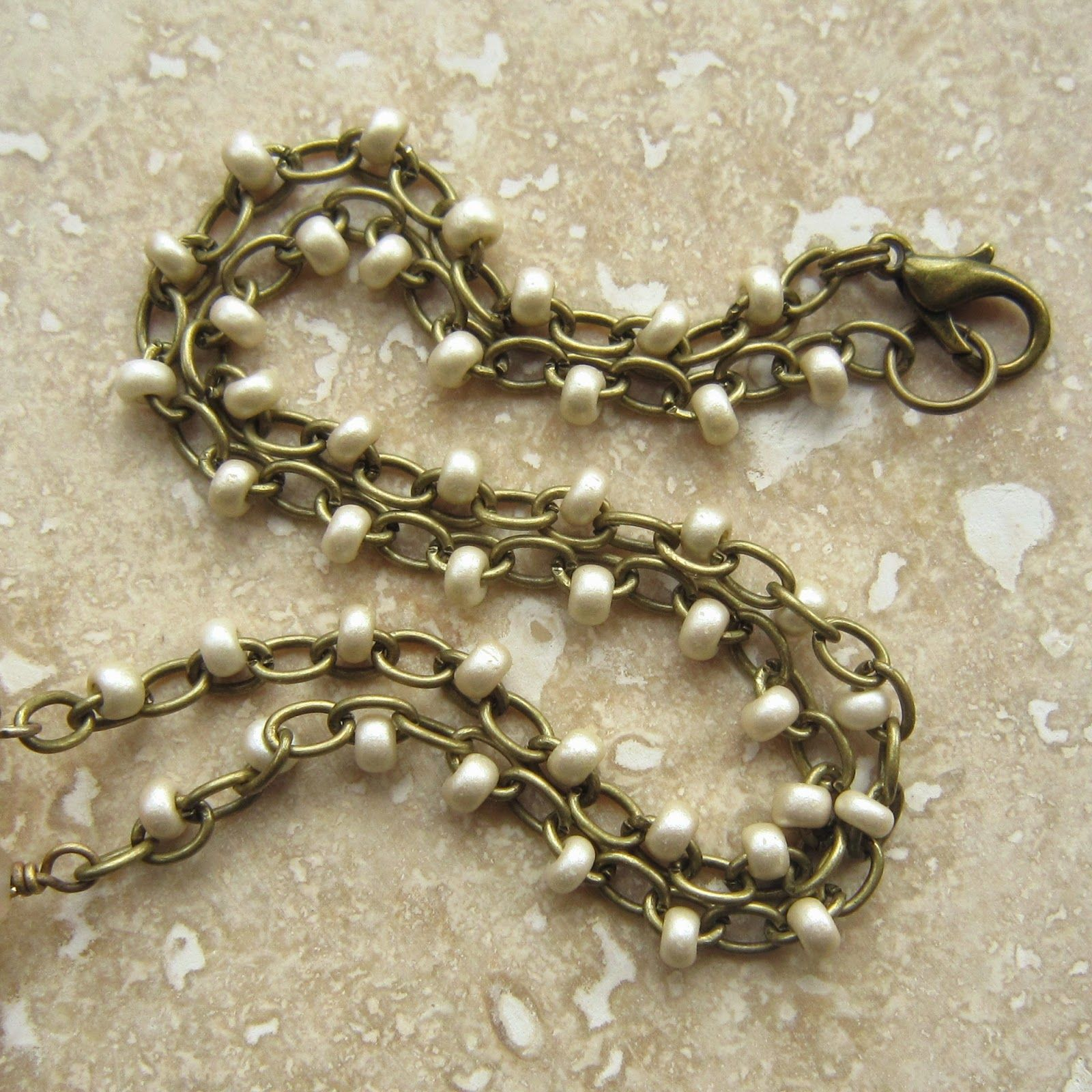 Add seed beads to chain.